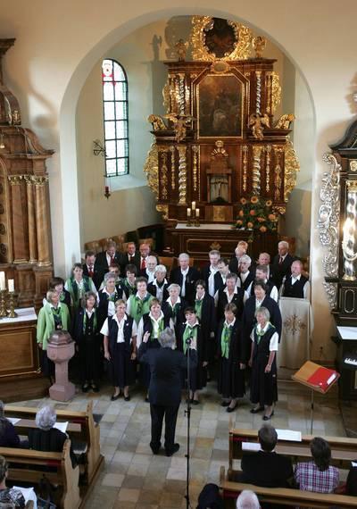 Eimsheimer Doppelquartett und Schütte-Chor beim gemeinsamen Konzert in der kath. Kirche in Eimsheim am 12. September 2009
