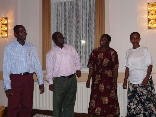 Probe: Die vier Gäste aus Tansania singen Gospels. (Foto: privat)